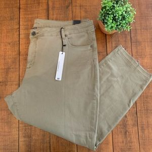 KUT from the kloth Olive color Jeans.